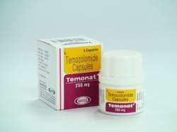 A plastic bottle and box pack of generic Temozolomide 250mg Capsules